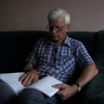 Lothar studiert die Baupläne (2009)