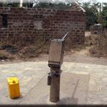 Eine Zapfstelle im Dorf