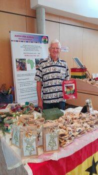 Lothar Ortmann beim Adventsmarkt
