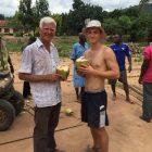 Stärkung mit Kokosnuss