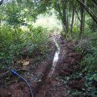 Gräben ausheben für Wasser- und Stromleitungen